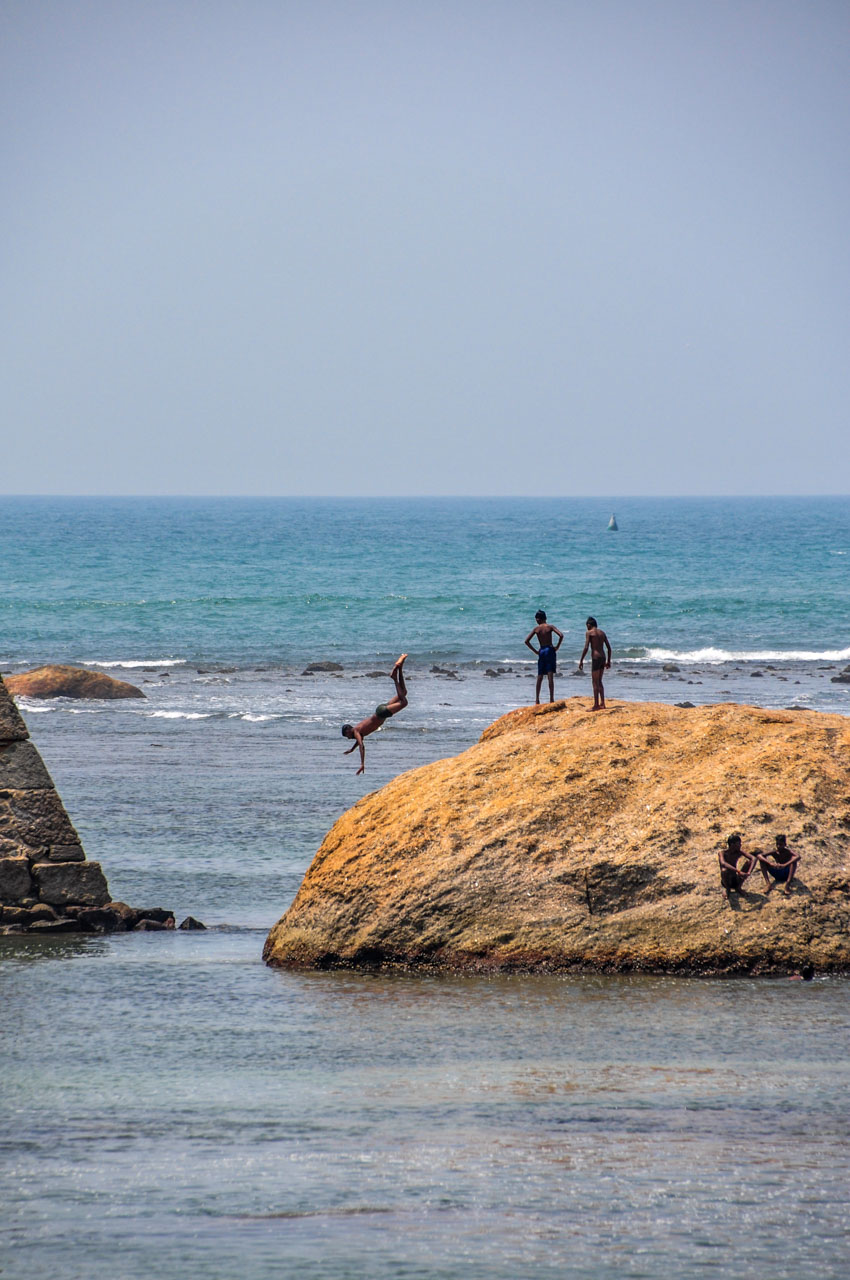 Galle Fort rock jumper