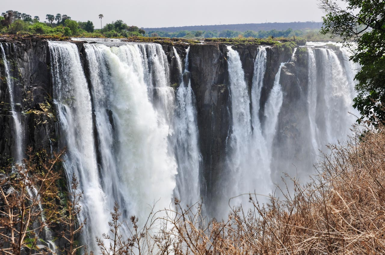 A walking tour of Victoria Falls